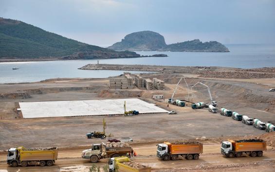 Власти Турции обнаружили трещины вфундаменте АЭС «Аккую». Еестроит «Росатом»