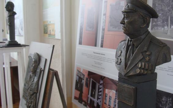 К концу августа планируют завершить благоустройство сквера имени Михаила Булатова